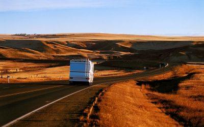 Co trzeba wiedzieć o prowadzeniu kampera?